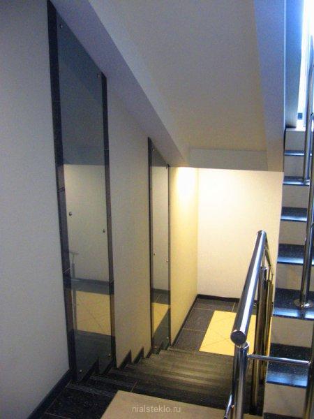 Стеклянные панели на стенах