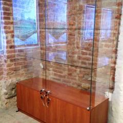 glass-showcase