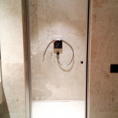 Door shower glass, clear vision, assa abloy