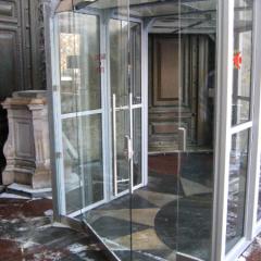 Исаакиевский собор, стеклянный выход