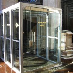 Исаакиевский собор, стеклянный вход